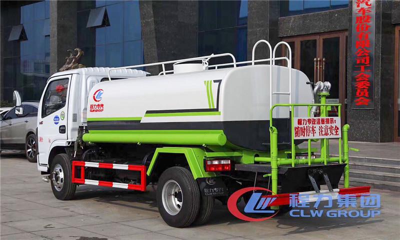 国六东风多利卡5吨洒水车